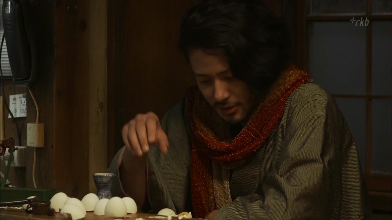 언제나 구석에서 땅콩이나 계란을 까고 있는 이 이상한 녀석이 입버릇처럼 하는 말은?