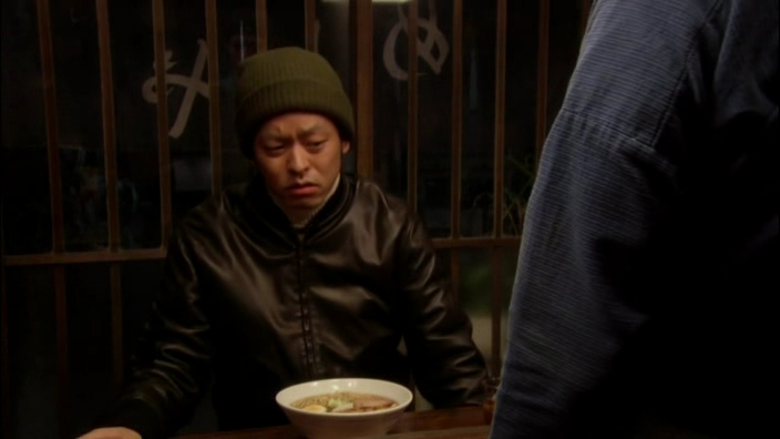 야쿠자 류 씨의 부하 겐짱이 왠일로 혼자 왔다. 라면이 너무 뜨겁다고, 김이 안 올라가 있다고 짜증을 낸다. 뭐라고 대답할까?