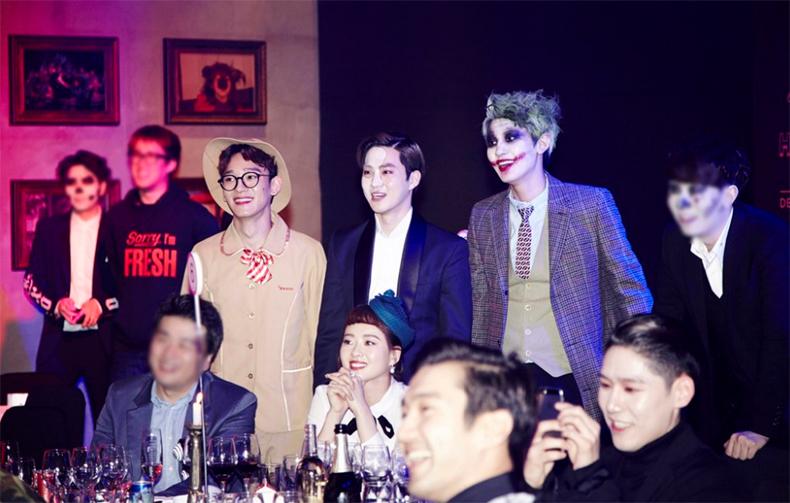 5. 다음은 2014년 SM의 할로윈 파티 사진이다. 이 날 샤이니가 코스프레한 캐릭터가 아닌 것은?