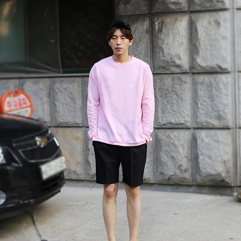 무채색과 함께라면 남자의 핑크도 부담스럽지 않다 #콤마즈인엠 #2만원대 @menscodi